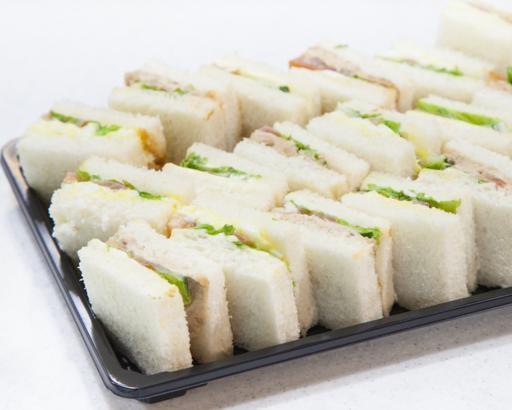 301-01 White Bread Sandwiches Platter