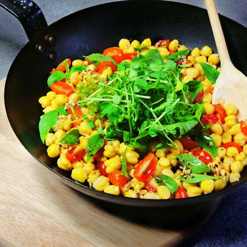Chickpea Tomato Basil Salad with Garlic Vinaigrette & Toasted Flat Bread (18-June)