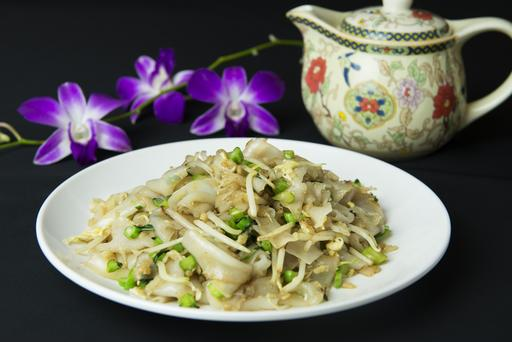 Famous Teo Chew Fried Kway Teow with Cai Po 潮州菜脯粿条