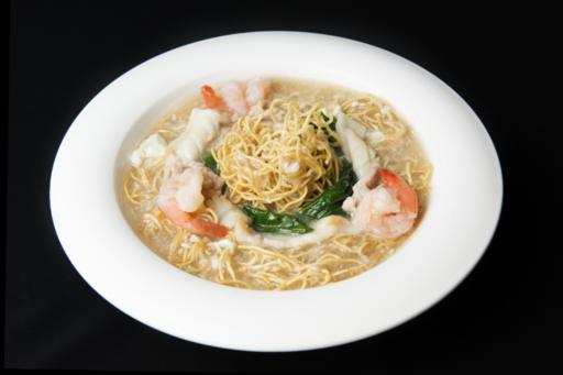 Fried Egg Noodle with Assorted Seafood