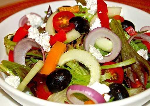 Greek Salad (Gluten-free)
