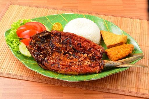 Grilled Boneless Milkfish (Bandeng Tanpa Duri) + Rice