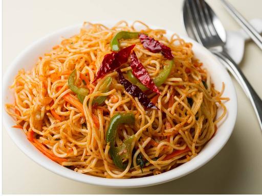 Hakka Noodles Chilli Garlic (Veg)