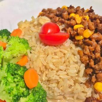 Minced Beef Rice (Cals:416.7 P:45.1g C:42.2g F:7.5g)