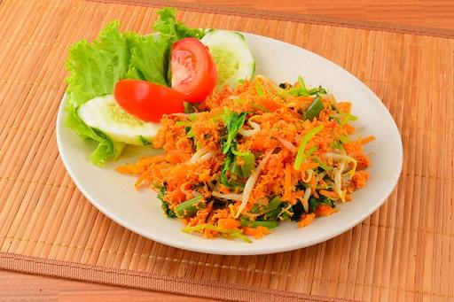 Mix Vege with Spicy Shredded Coconut (Urapan)