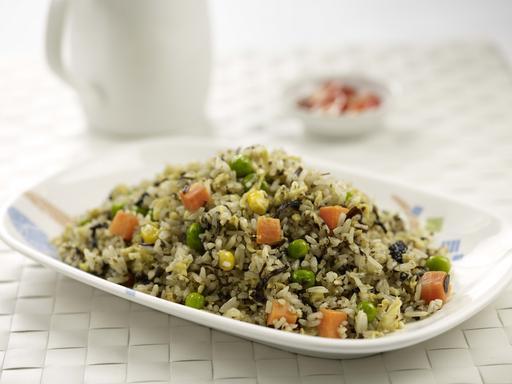 Olive Fried Rice (特色橄榄炒饭)