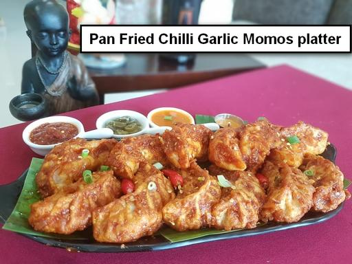 Pan Fried Chicken Momos Chilli Garlic Platter - 12 Pcs