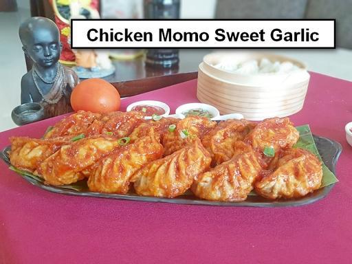 Pan Fried Chicken Momos Sweet Garlic Platter - 12 Pcs