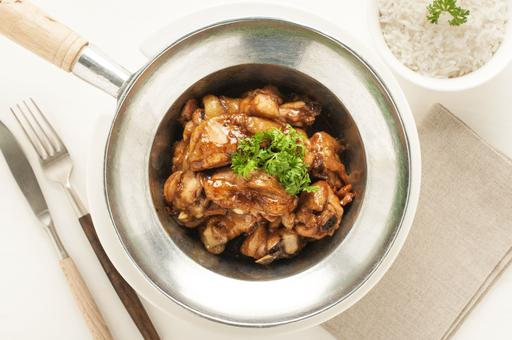 Pot Roasted Chicken Caramelized in Rice Wine 锅烧黄酒焦糖鸡