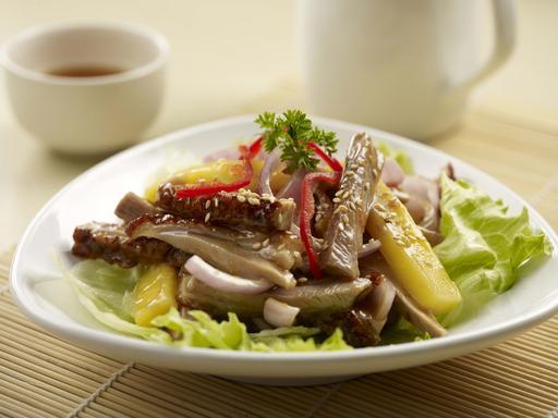 Roast Duck Slice with Mango 凉拌香芒烧鸭丝