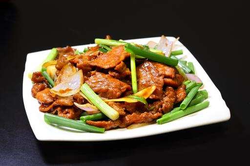 Sauteed Beef with Ginger & Spring Onion
