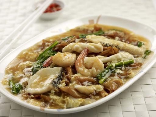 Seafood Hor Fun / Bee Hoon (海鲜河粉/米粉)