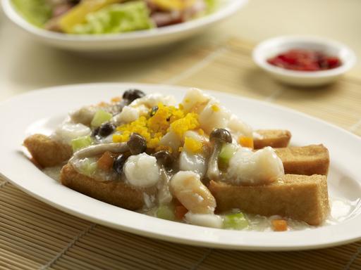 Seafood with Mushroom and beancurd 龙皇豆腐