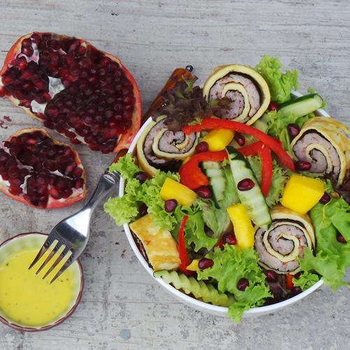 Seaweed Eggroll Sushi Salad with Passion Mango Sauce (19-Mar)