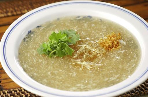 Shark's Fin with Crabmeat Soup 蟹肉鱼翅
