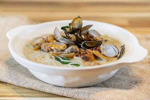 Mixed Shellfish Beehoon Soup