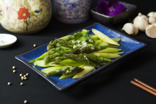Stired-Fried Asparagus with XO Sauce XO 芦笋