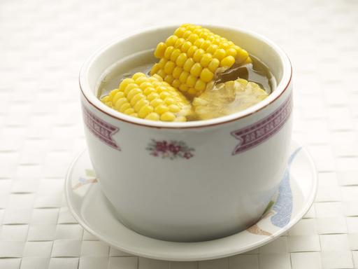Sweet Corn with Dates Soup (粟米蜜枣汤)
