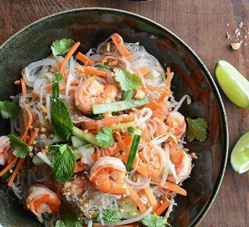 Thai Spicy Glass Noodle with Grilled Lemongrass Prawns (16-Nov)