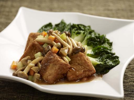 Tofu with Mushrooms (松菇扒豆腐)