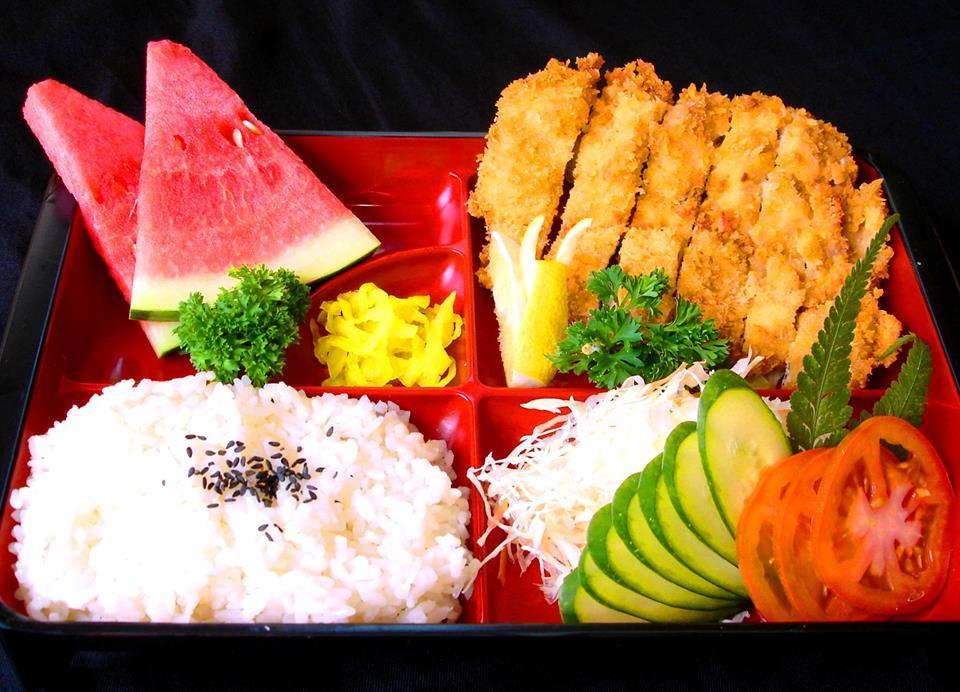 Torikatsu Set (炸鸡扒饭盒)