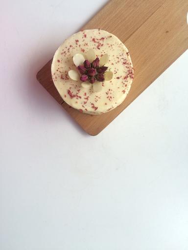 Trio of 4-inch mini cakes