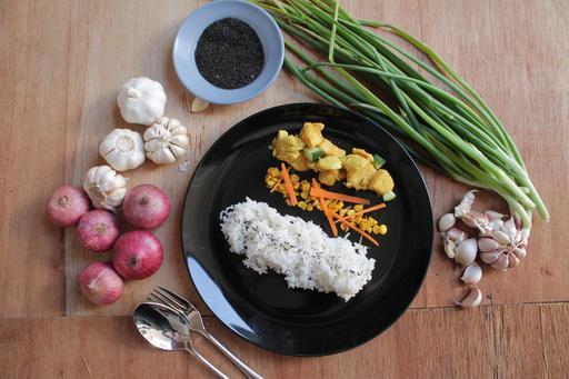 Turmeric Chicken & Potato with Corn Salad