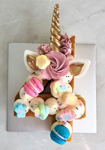 Unicorn Chocolate & Sweets [Number Cake]