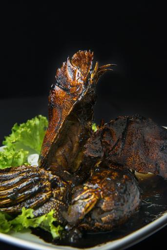 Wok-Fried Black Pepper Crayfish 黑胡椒虾婆