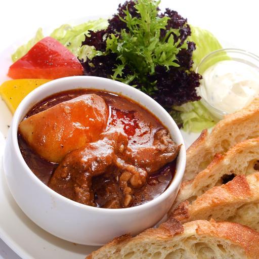 咖哩牛腩佐法國麵包(辣)