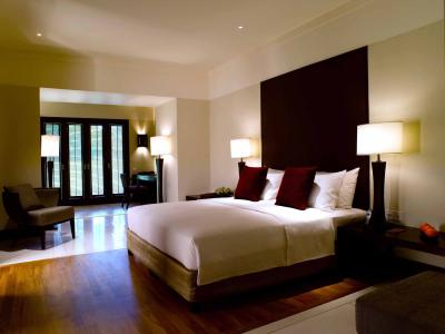 https://s3-ap-southeast-1.amazonaws.com/viettrip/Hotels/400/160133_25032013_the-club-saujana-resort-1.jpg