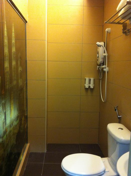 https://s3-ap-southeast-1.amazonaws.com/viettrip/Hotels/418/153028_27032013_damai-11--klcc-3.jpg