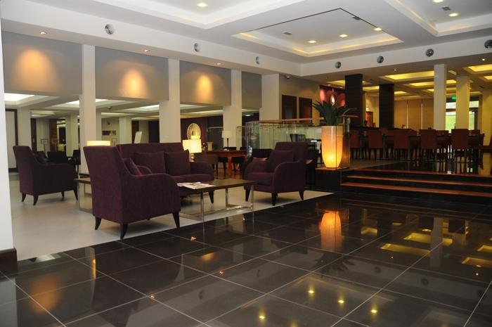 https://s3-ap-southeast-1.amazonaws.com/viettrip/Hotels/424/170533_28032013_puri-pujangga-ukm-9.jpg