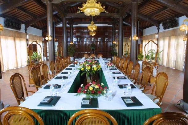 https://s3-ap-southeast-1.amazonaws.com/viettrip/Hotels/518/090355_27082013_lang-co-beach-resort-11.jpg
