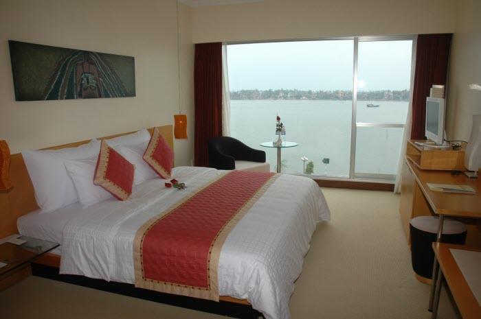 https://s3-ap-southeast-1.amazonaws.com/viettrip/Hotels/523/093340_22042013_sg-quang-binh-2.jpg