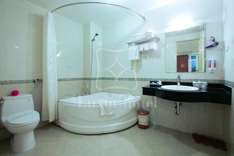 https://s3-ap-southeast-1.amazonaws.com/viettrip/Hotels/546/145219_03052013_khach-san-ha-noi-luxor-11.jpg