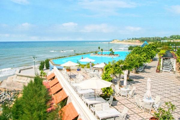 https://s3-ap-southeast-1.amazonaws.com/viettrip/Hotels/56/long-hai-beach-resort-12.jpg