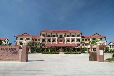 https://s3-ap-southeast-1.amazonaws.com/viettrip/Hotels/562/115644_07052013_khach-san-bach-dang-hoi-an-4.jpg