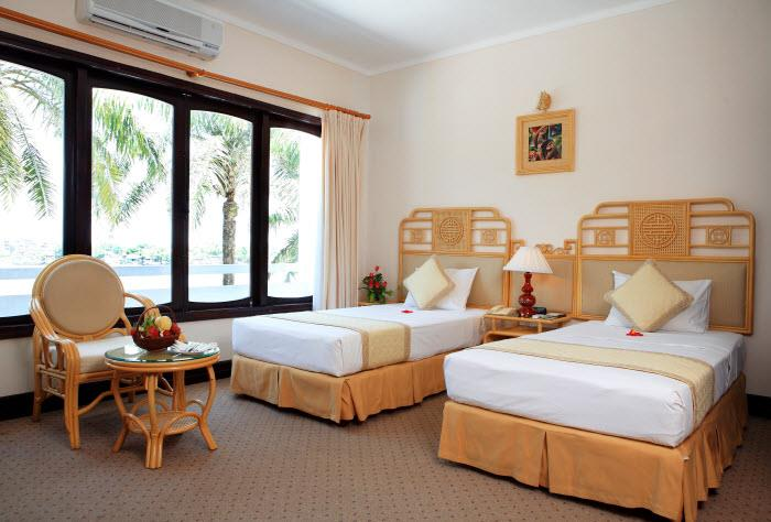 https://s3-ap-southeast-1.amazonaws.com/viettrip/Hotels/565/151657_07052013_huong-giang-resort--spa-9.jpg
