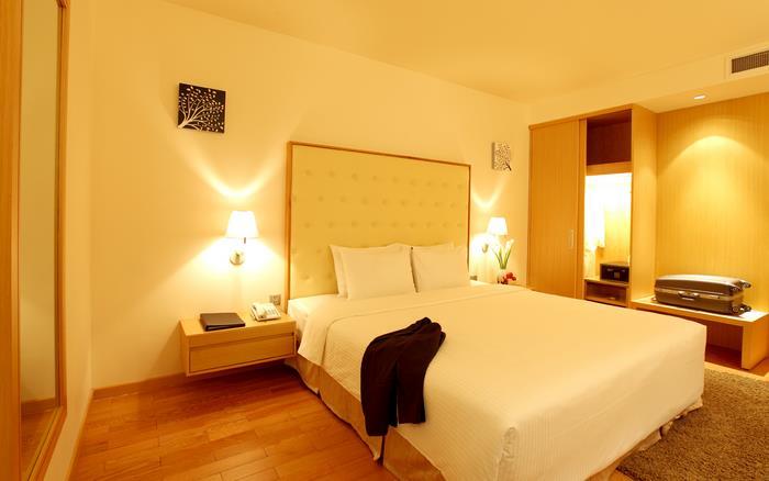 https://s3-ap-southeast-1.amazonaws.com/viettrip/Hotels/570/135217_08052013_khach-san-liberty-central-9.jpg