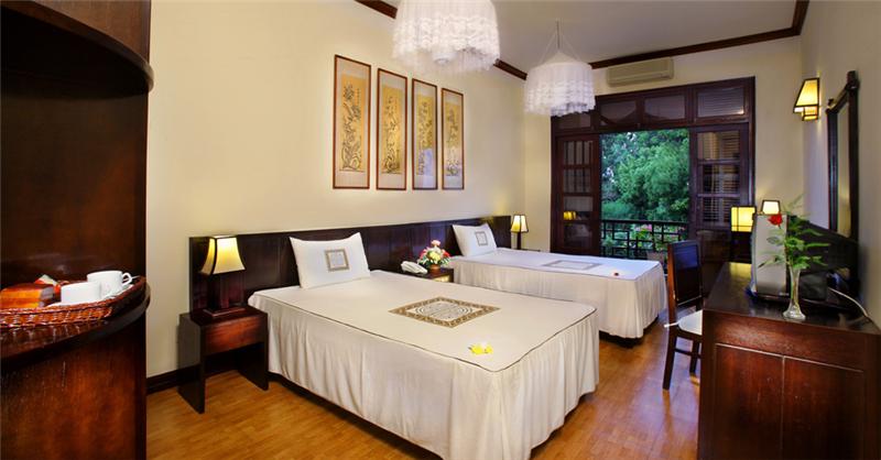 https://s3-ap-southeast-1.amazonaws.com/viettrip/Hotels/592/110644_10052013_khach-san-hoi-an-hoi-an-historic--22.png