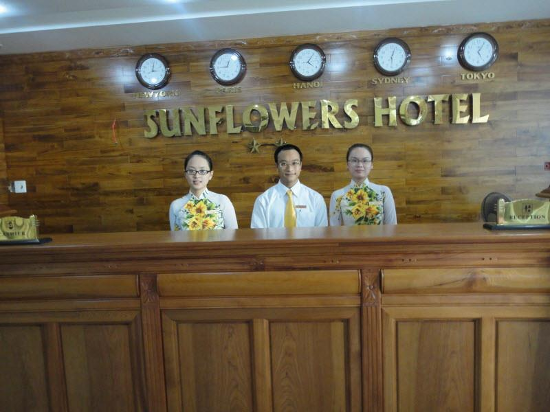 https://s3-ap-southeast-1.amazonaws.com/viettrip/Hotels/603/115746_11052013_khach-san-sunflowers-9.jpg