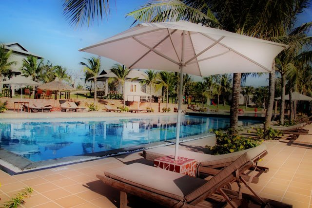 https://s3-ap-southeast-1.amazonaws.com/viettrip/Hotels/649/091903_18052013_melon-resort-phan-thiet-1.jpg