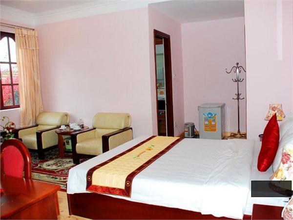 https://s3-ap-southeast-1.amazonaws.com/viettrip/Hotels/670/113042_23052013_khach-san-minh-tam-4.jpg