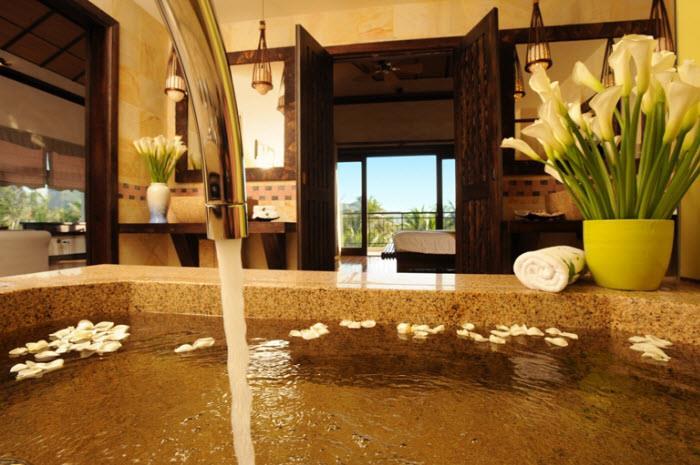https://s3-ap-southeast-1.amazonaws.com/viettrip/Hotels/727/112752_01062013_diamond-bay-nt-9.jpg