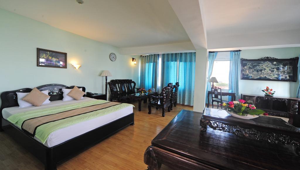 https://s3-ap-southeast-1.amazonaws.com/viettrip/Hotels/736/151956_06062013_khach-san-river-view-hue-10.jpg