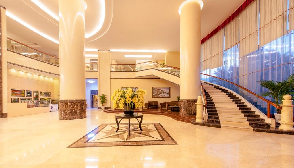 https://s3-ap-southeast-1.amazonaws.com/viettrip/Hotels/764/095734_21092015_lobby3.jpg