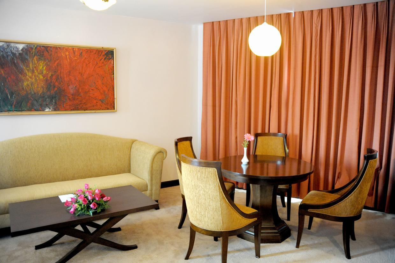 https://s3-ap-southeast-1.amazonaws.com/viettrip/Hotels/909/131612_10062014_18.jpg