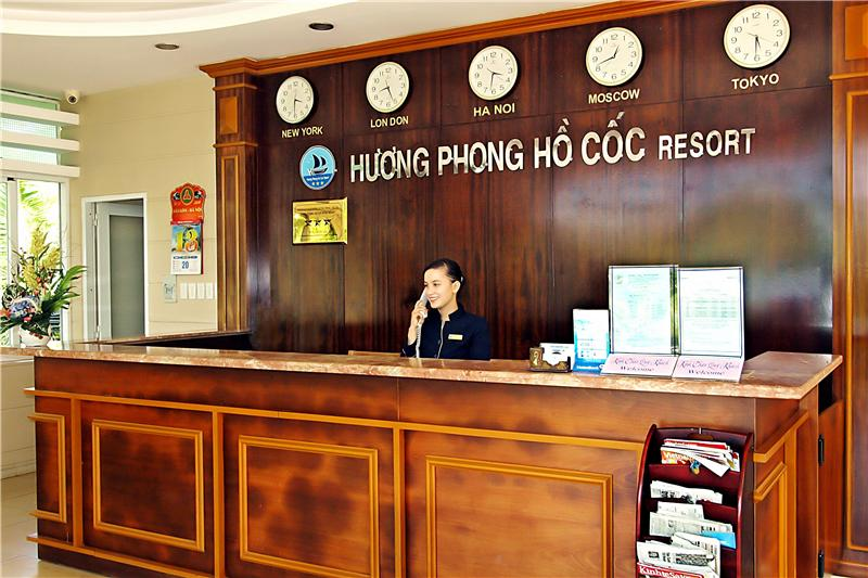 https://s3-ap-southeast-1.amazonaws.com/viettrip/Hotels/969/165944_24082015_huong-phong-ho-coc-resort-31.jpg