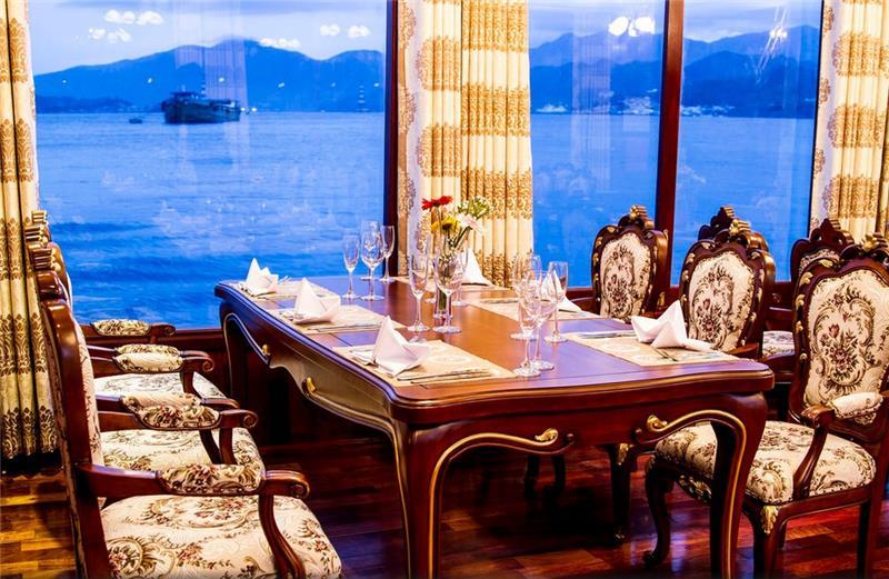 Khách sạn Emperor Cruise Nha Trang